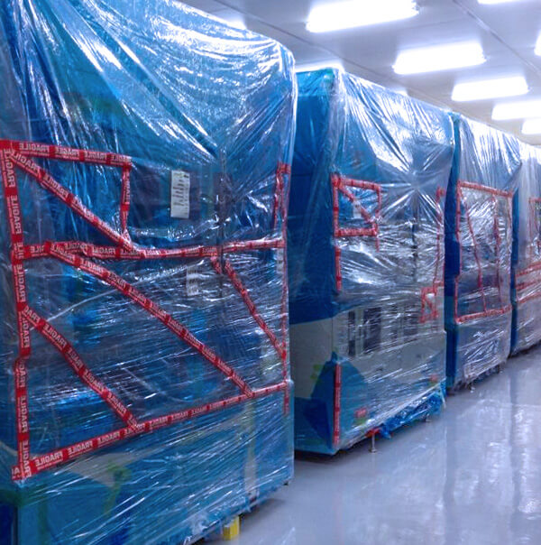 Commercial Mover uses blankets to protect lab equipment