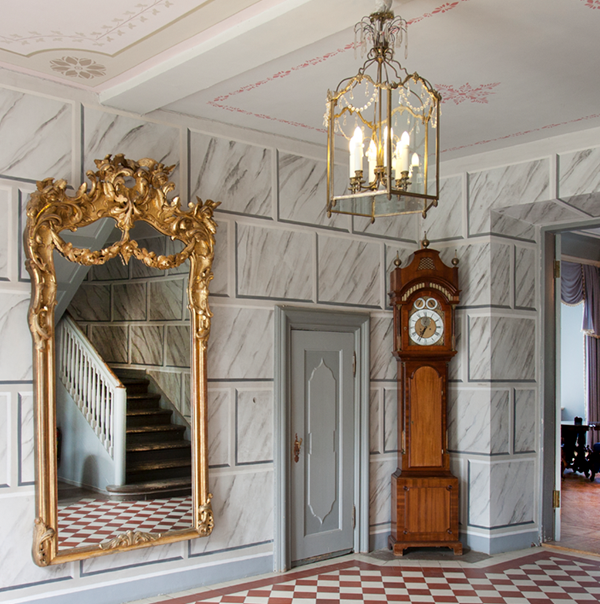 Chandelier Mirror Grand Father Clock Shown in Moving Site Survey